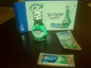 Mini mouthwash, toothpaste packet and floss pick!